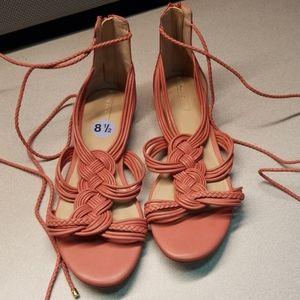 Womans 8.5 Aldo lace up sandals